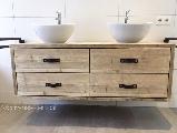 Badkamer meubel van steigerhout.
