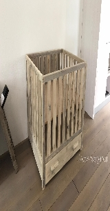 baby box van steigerhout.