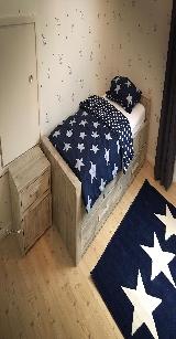1 persoons bed van steigerhout.